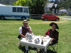 Here Jim and Audrey Anderton from Tauranga enjoy their posh lunch..jpg